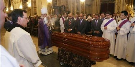 iniesta-funeral-5_560x280