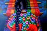 mujer-tejiendo-con-hilos